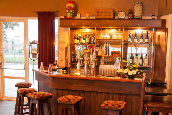 Restaurant de punt feesten partijen - Huis bar ...